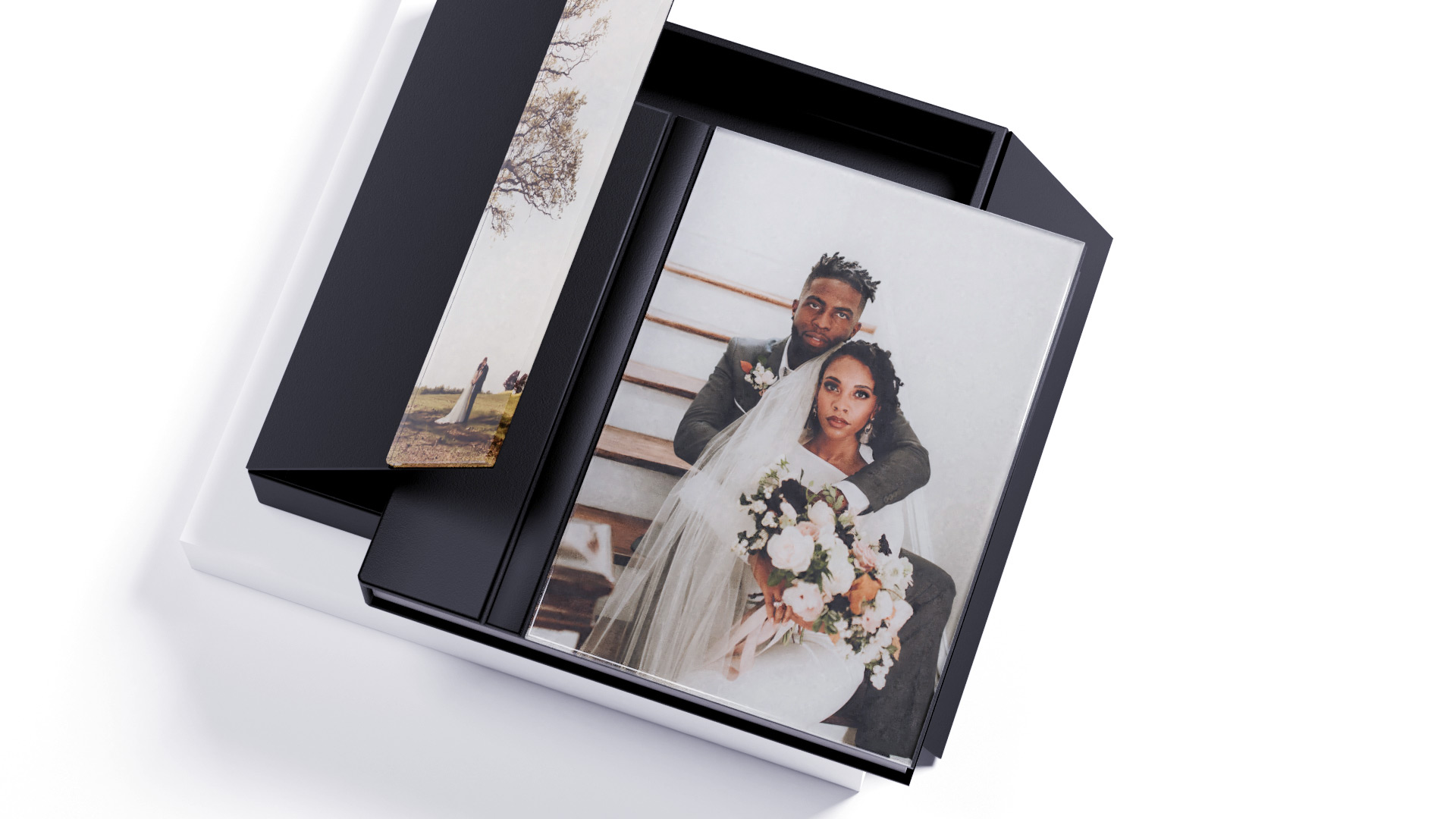 A Mini Guide to the Hottest Wedding Photo Album Trends