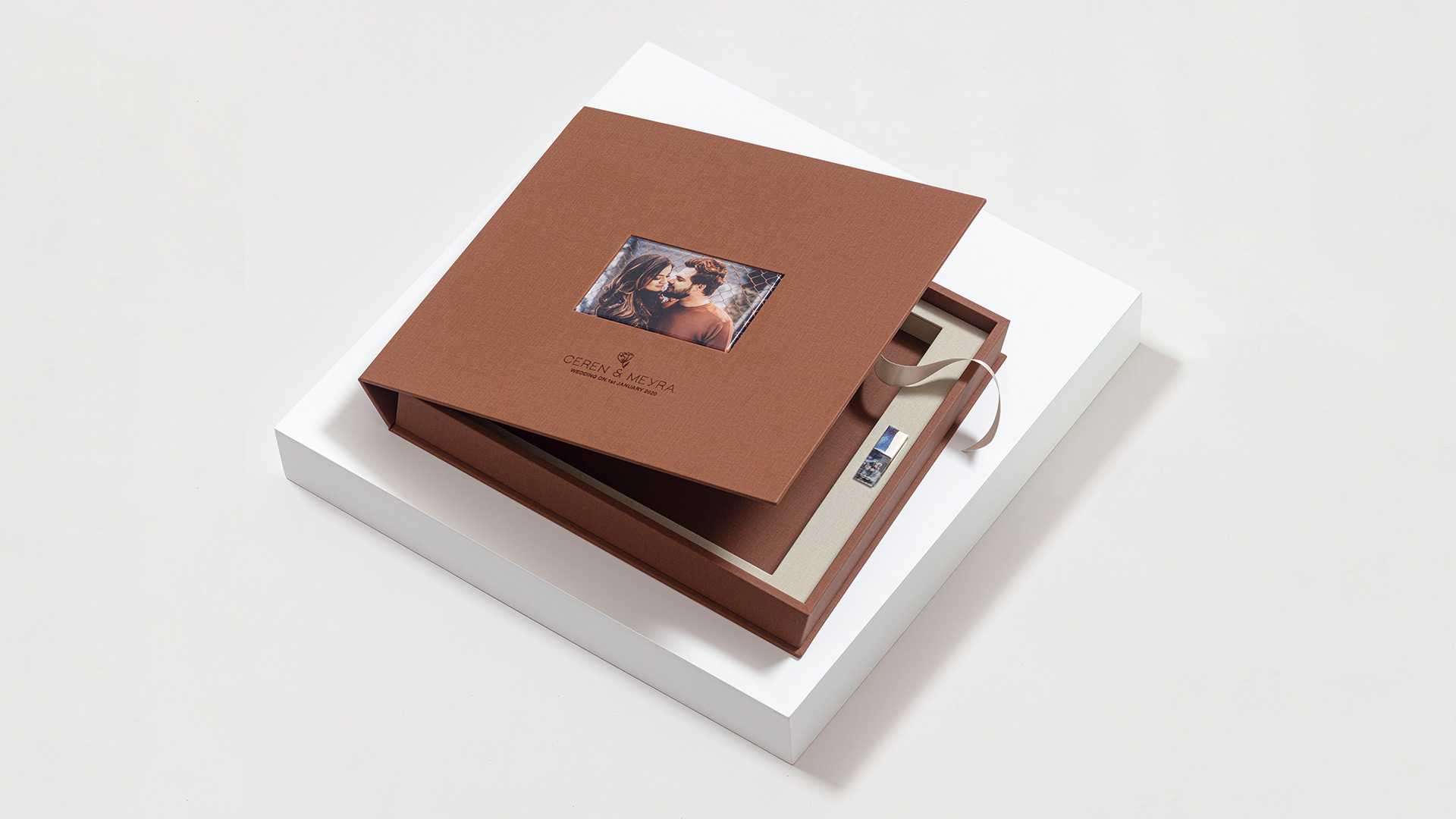 How-Presentation-Boxes-Add-a-Special-Touch-to-Your-Photography-Business
